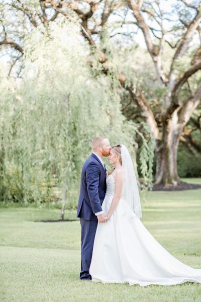 spring wedding, houston wedding photographer, light and airy photographer, willow tree, conroe wedding photographer, springs magnolia manor, springs event venue, springs wedding venue, garden wedding,